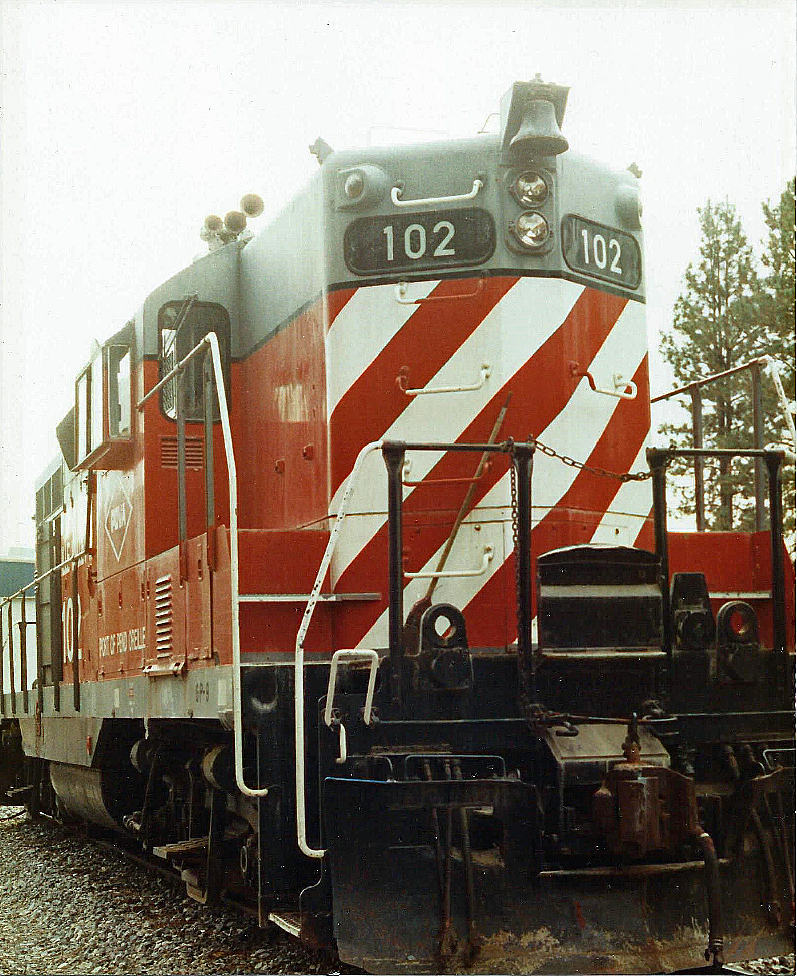 POVA 102 Locomotive